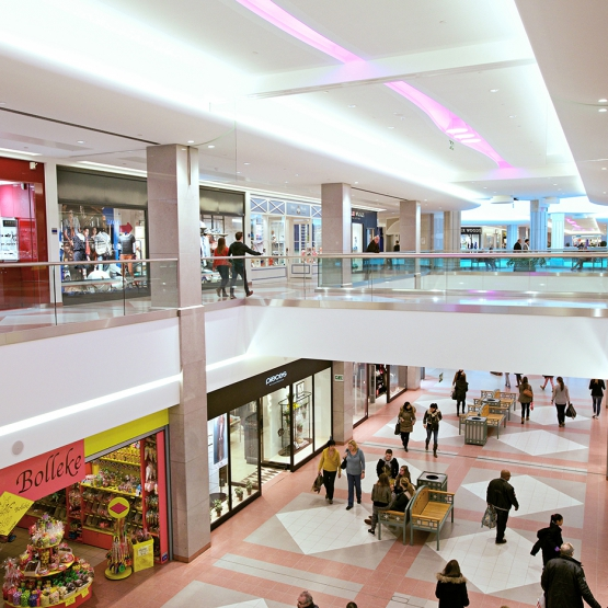 SPARQ Balustrades Wijnegem Shopping Centrum custom range